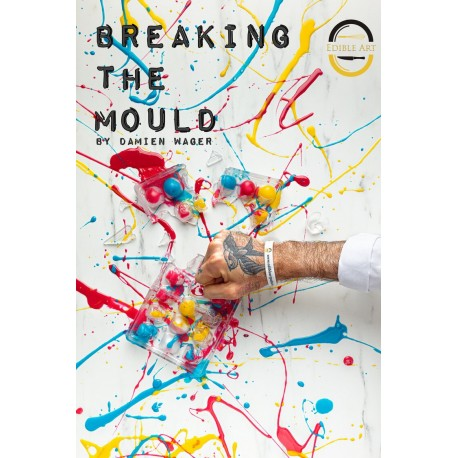 BREAKING THE MOULD (anglais)
